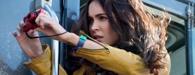 Megan Fox aus TEENAGE MUTANT NINJA TURTLES schüchtert es ein, sich ihre eigenen Filme anzusehen und sie kann kein trockenes Papier anfassen. Beim Lesen befeuchtet sie deshalb immer ihre Finger.