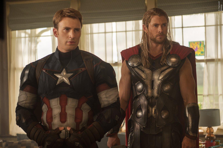 Captain America und Thor sehen zusammen ziemlich gut aus