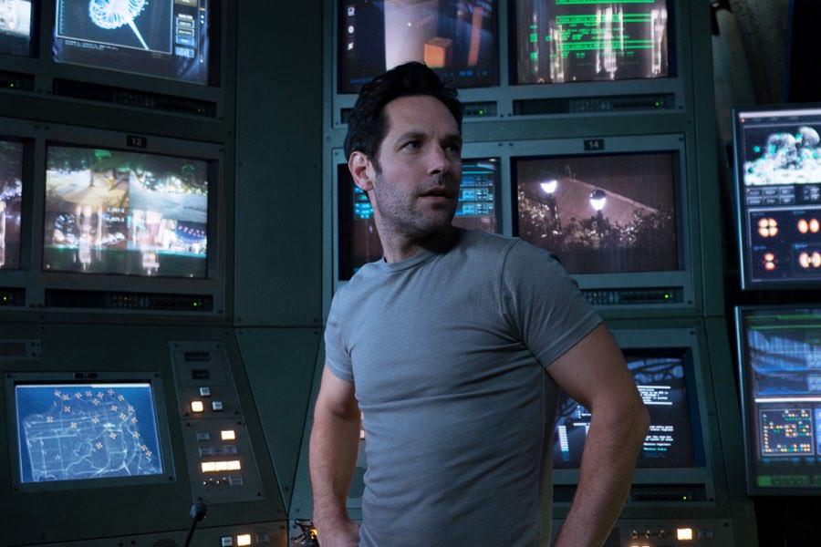 Ant-Man sieht in seiner Zentrale fast alles.