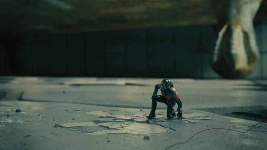 Ant-Man ist so klein, der schleicht sich locker überall rein.