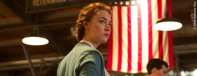 Die junge Eilis bekommt die Chance auf ein Leben in Amerika.