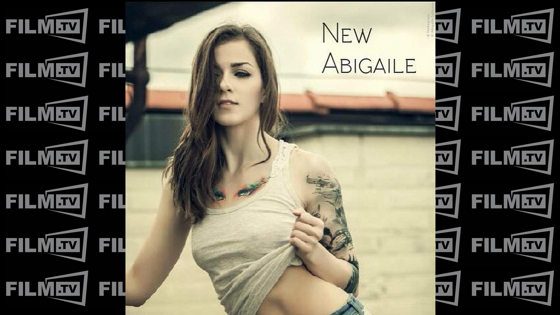Abigaile Johnson spielt in Tight Teens 6 mit!