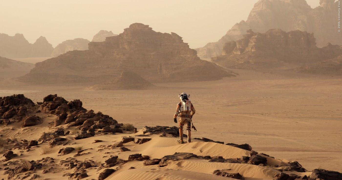 Nach einem Sandsturm gilt der Astronaut als Verschollen!