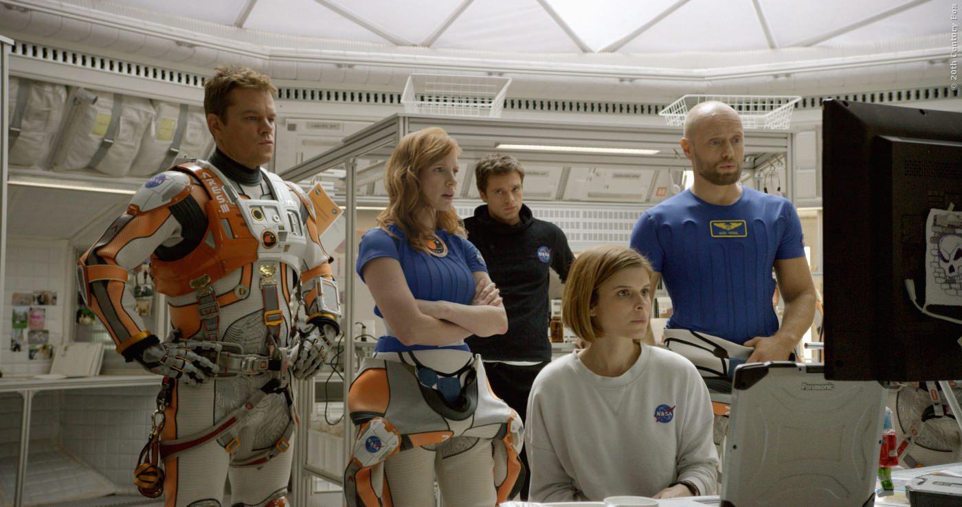 Seine Crew musste sich selber retten und ist mit der Raumkapsel gestartet!