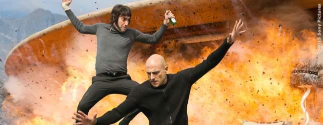 Sacha Baron Cohen und Mark Strong als ungleiche Brüder,