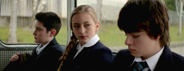 Mickey (Lucy Morton) kann sich auf ihren Freund Sean (Lorcan Bonner) immer verlassen.