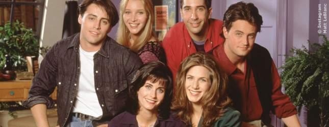...da sahen die sechs noch so aus! Vor allem Rachel hat sich im Laufe der Zeit ziemlich verändert, oder?