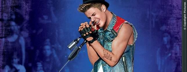 Sein Namensvetter Justin Bieber (hier auf dem Cover seiner DVD BELIEVE) hat dagegen eine fast normale Phobie: Er fürchtet sich vor Aufzügen und bekommt in engen Räumen mit vielen Menschen regelmäßig Panik!
