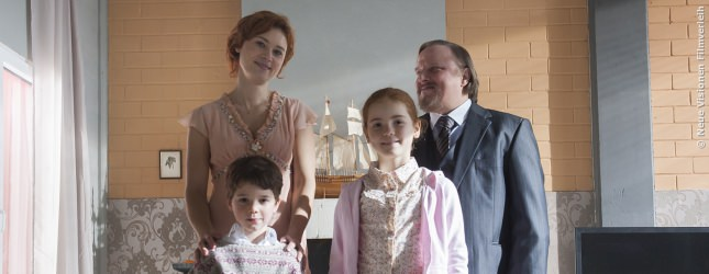 Franz hat ein gesittetes Leben. Er weiß, was er an seiner Familie hat und genießt die Ruhe im Eigenheim.