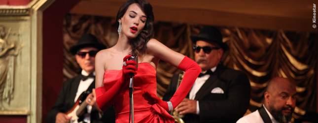 Burcu ist eine tolle Sängerin. Sie arbeitet in einem Nachtclub und hat es faustdick hinter den Ohren.