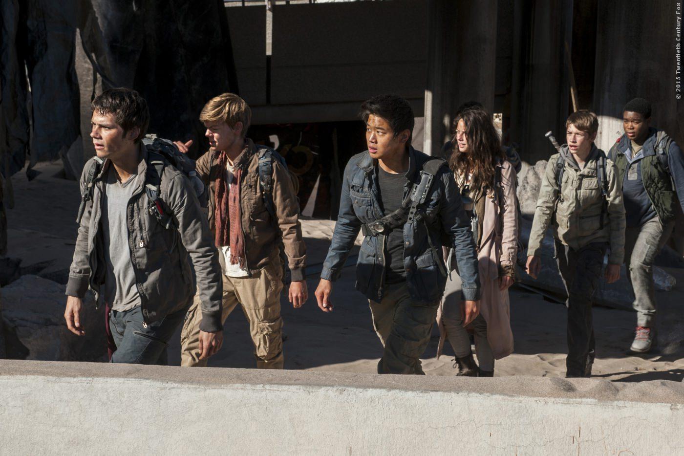 Thomas (Dylan OBrien), (Thomas Brodie-Sangster), Minho (Ki Hong Lee) und Teresa (Kaya Scodelario)