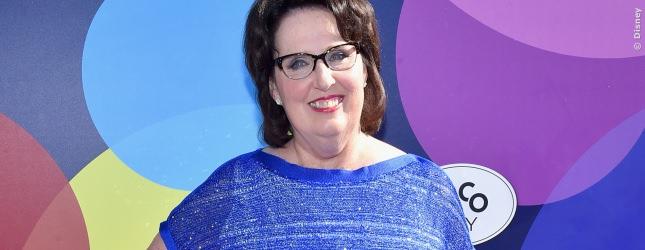 Phyllis Smith leiht der immer traurigen SADNESS in der US-Fassung ihr Stimme. Als Mauerblümchen-Freundin von Cameron Diaz habt ihr sie in Bad Teacher gesehen.