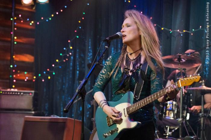 Ricki (Meryl Streep) auf der Bühne