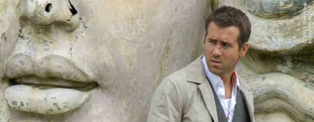 Damian alias Edward (Ryan Reynolds) kann sich seines Lebens nicht mehr sicher sein.
