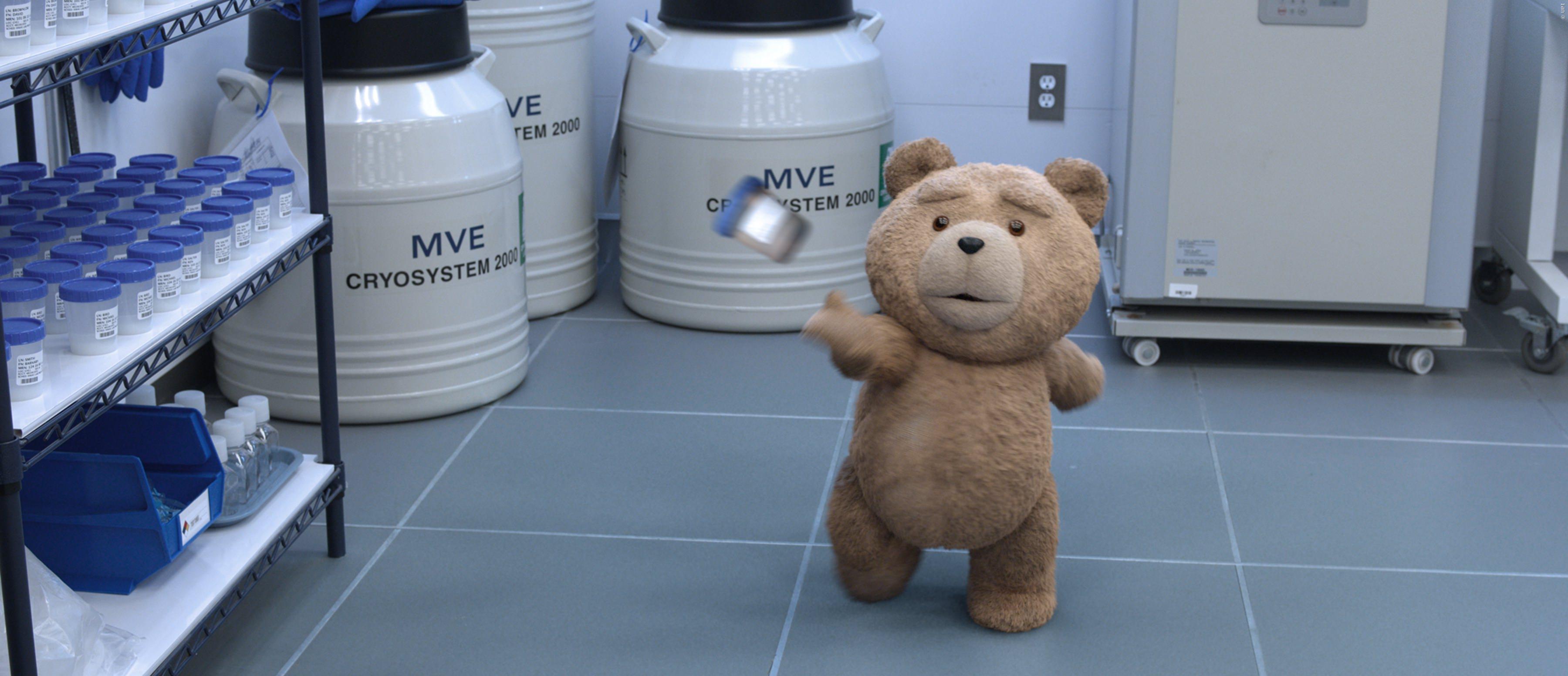 TED wirft aus Spaß mit einer Samenprobe. Das geht nicht gut!