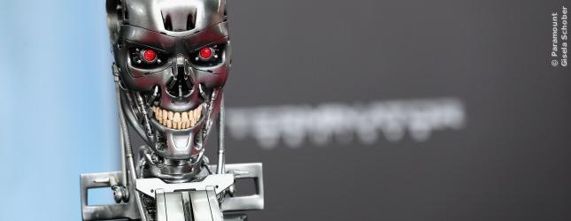 Dem Terminator wird das Lachen schon noch vergehen - aber zur Premiere darf auch er fies grinsen.