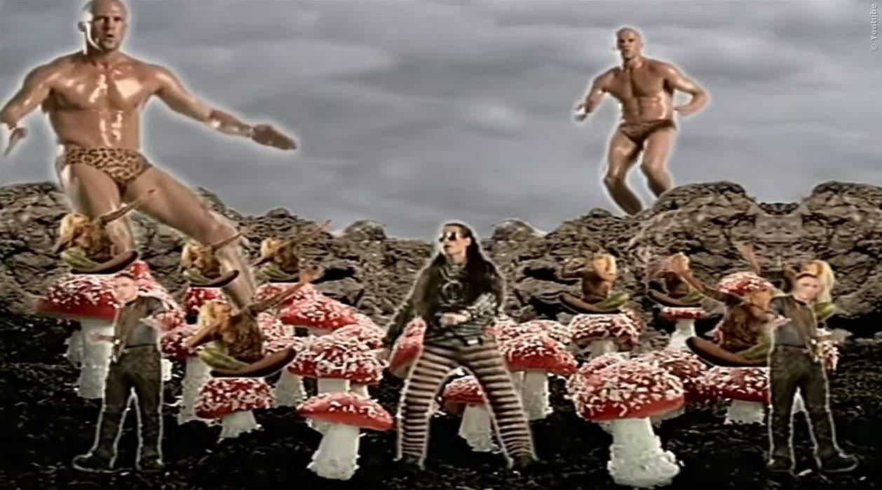 Jason Statham in peinlichem Musikvideo - Bild 1 von 1