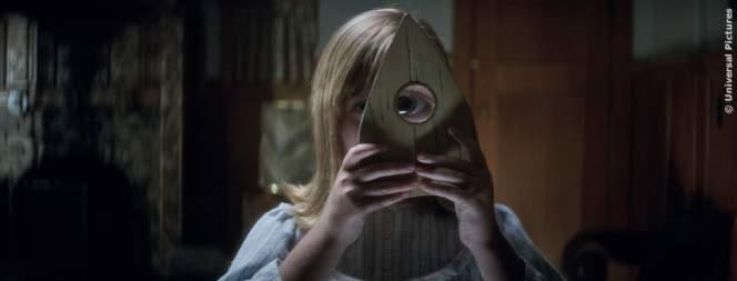 Filmszene aus dem Horrorstreifen Ouija 2 - Ursprung Des Bösen