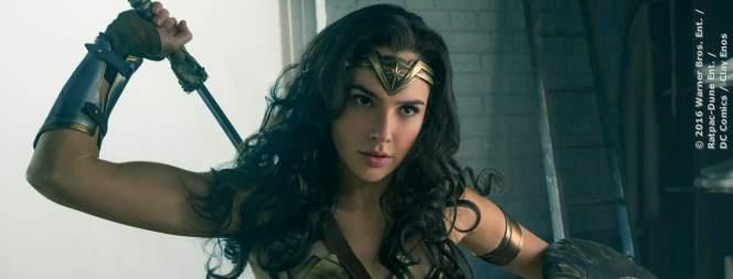 Wonder Woman - Bild 1 von 3