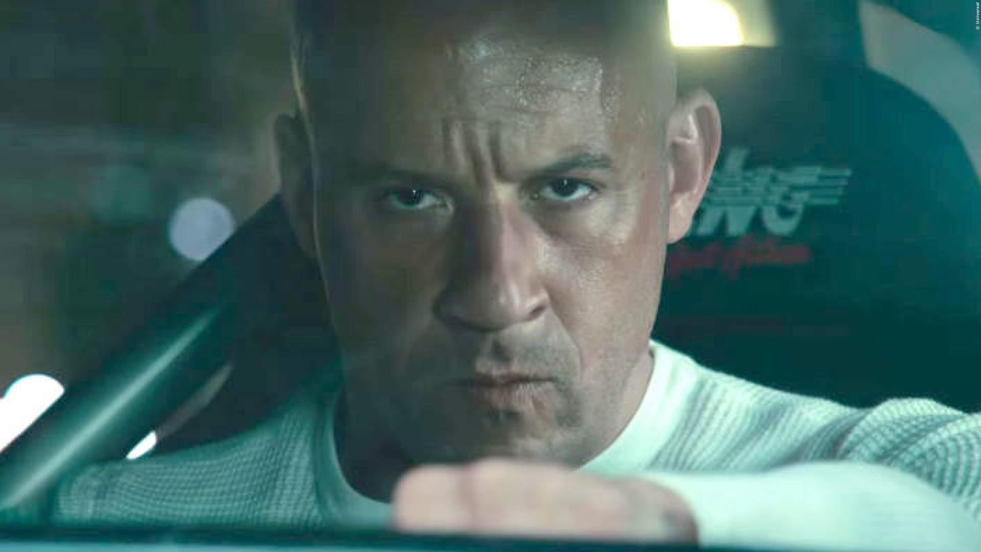 VIDEO: 'Fast & Furious'-Star Vin Diesel parkt aus wie ein Mädchen!