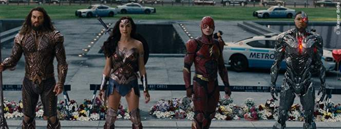 Video: DC-Star würgt weiblichen Fan