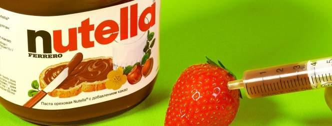 Sommer-Snack: Erdbeeren mit Nutella