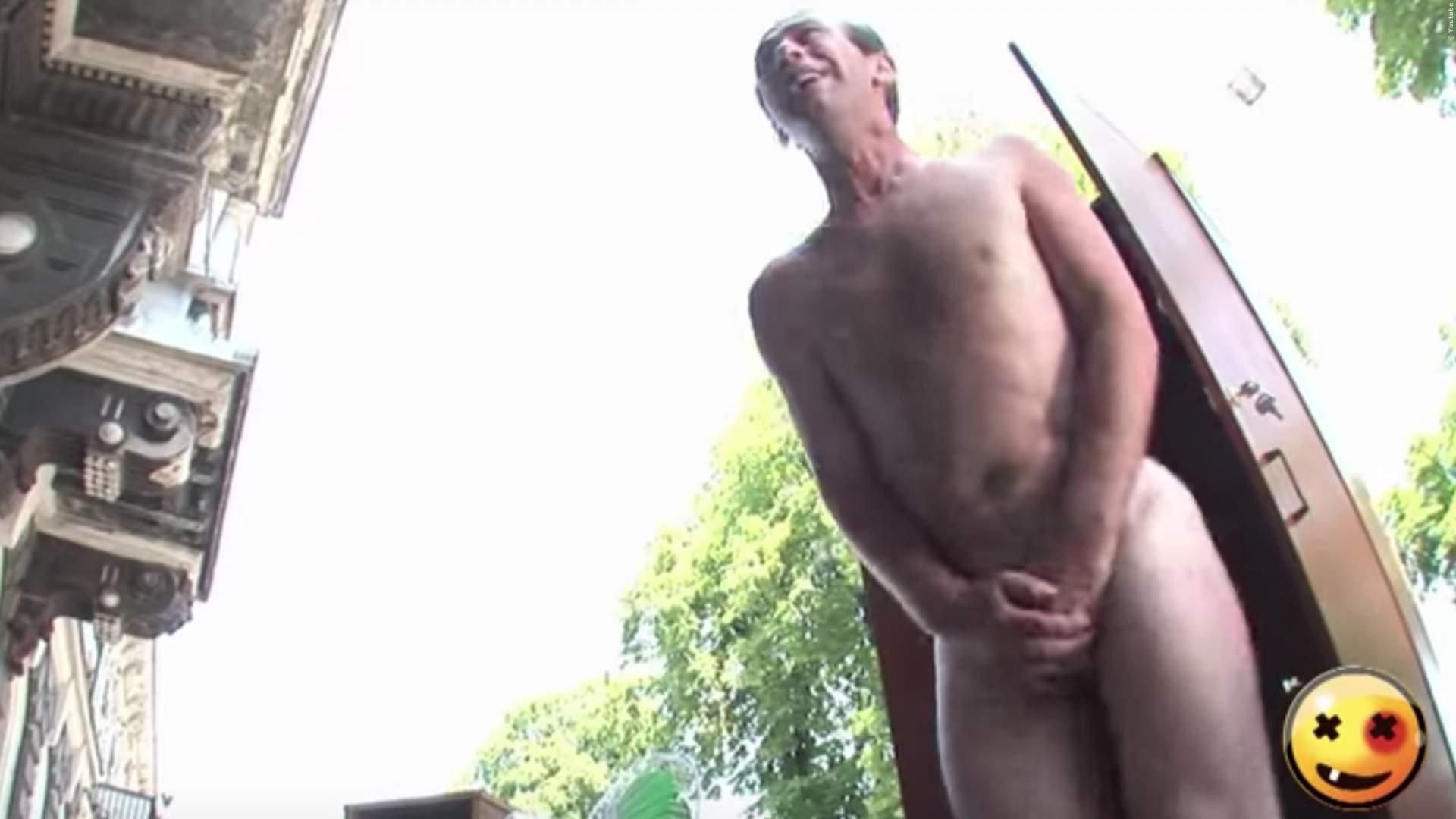 VIDEO: Nackter Mann im Schrank erschreckt Menschen - zu lustig!