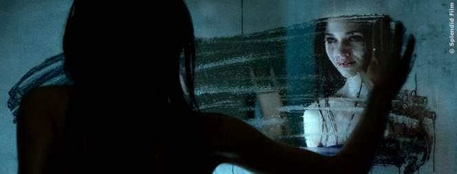 Look Away: Exklusiver Clip zum Psycho-Thriller