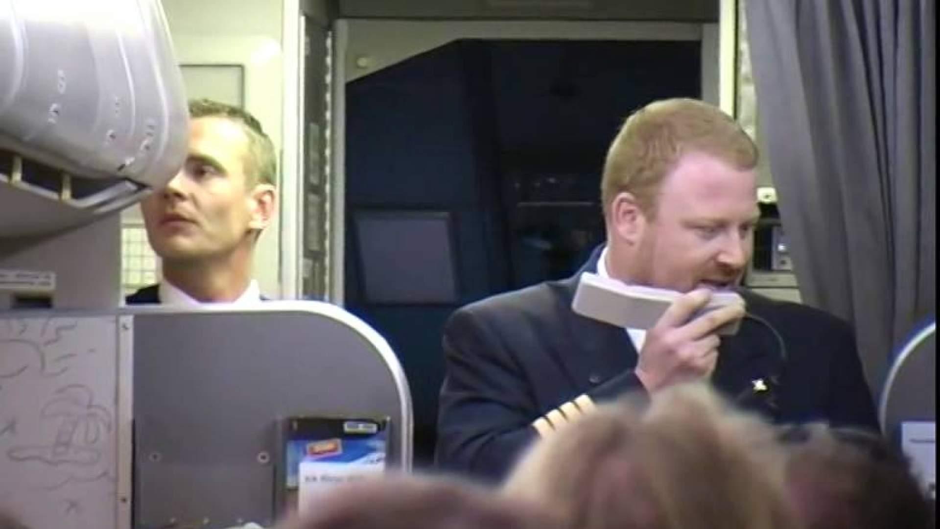 VIDEO: Die beste Pilotenansage - Flug DE 1835