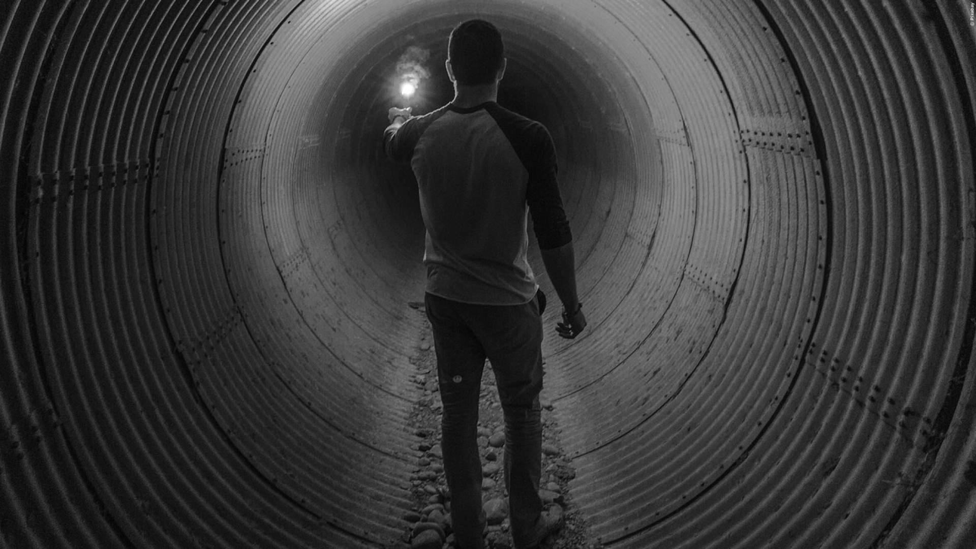 TUNNEL: Die gruseligsten Videos aus beklemmenden Röhren
