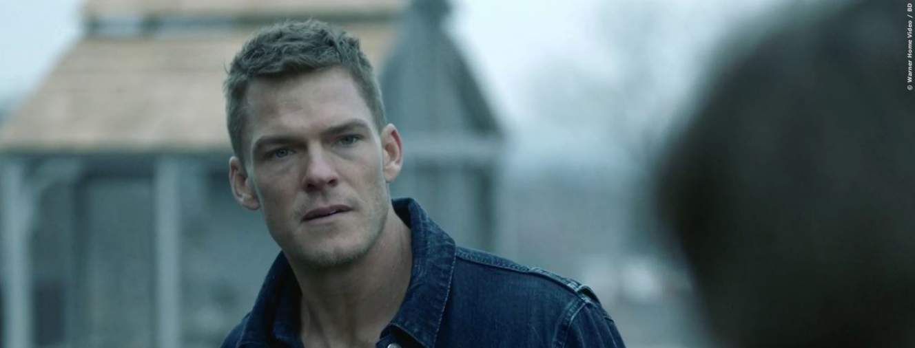 Alan Ritchson in Titans
