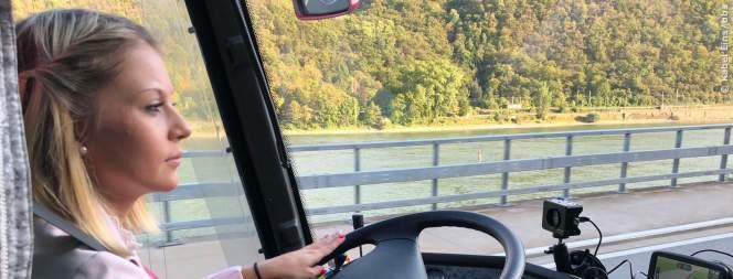 Bus Babes: Ich hab den Größeren - definitiv!