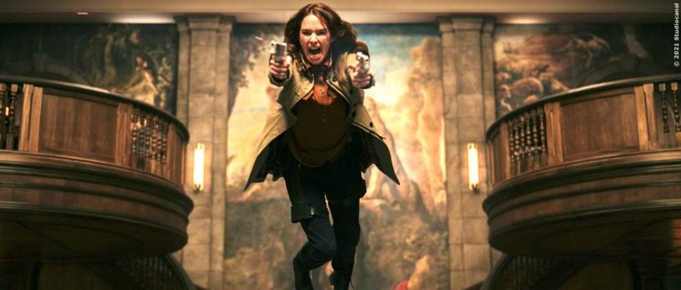 """""""Gunpowder Milkshake"""": Deshalb solltet ihr den Actionfilm mit Karen Gillan auf dem Zettel haben"""
