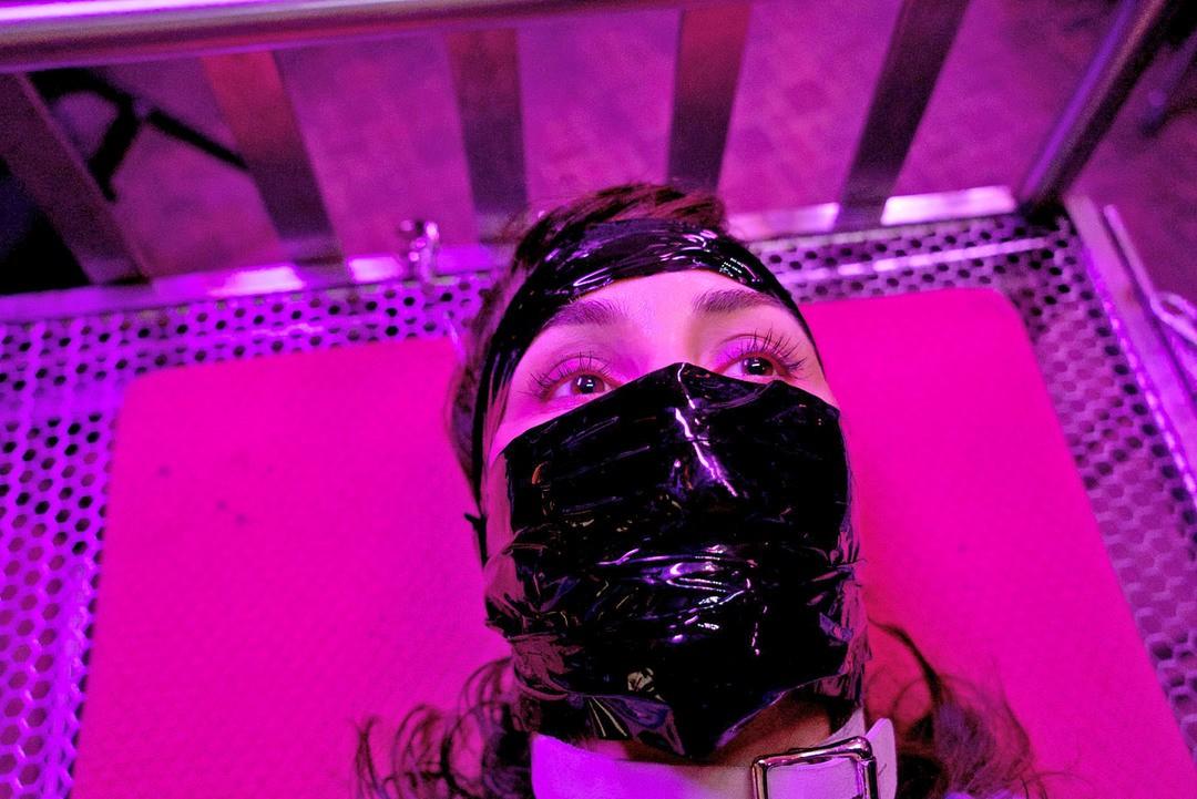 Rupture: Trailer zum Sci-Fi Thriller mit Noomi Rapace - Bild 2 von 8