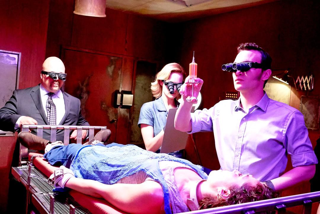 Rupture: Trailer zum Sci-Fi Thriller mit Noomi Rapace - Bild 3 von 8