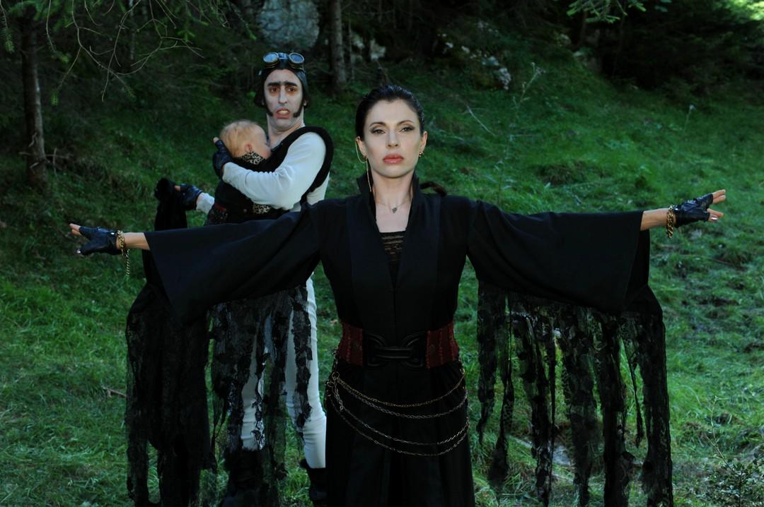 Das sind die Stars aus Die Vampirschwestern 3 - Bild 2 von 25
