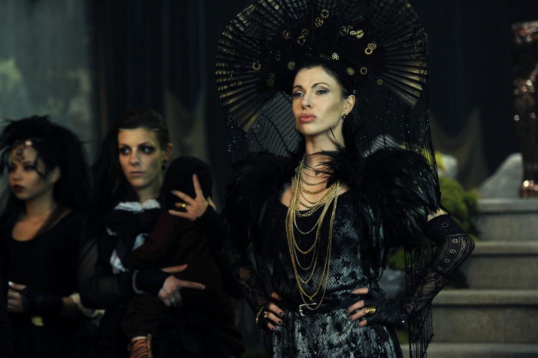Vampirschwestern 3 - Clip Silvanias Pubertätsattacken - Bild 20 von 25
