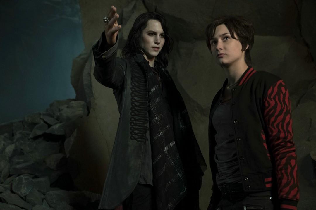 Vampirschwestern 3 - Clip Silvanias Pubertätsattacken - Bild 21 von 25