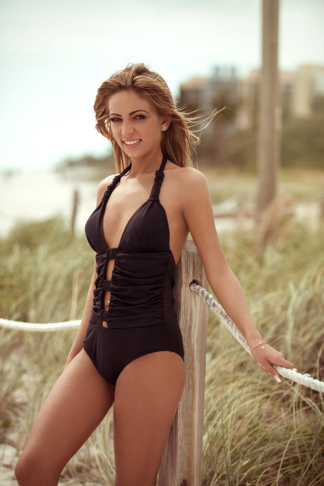 Der Bachelor 2017: Alle Kandidatinnen im Bikini - Bild 13 von 23
