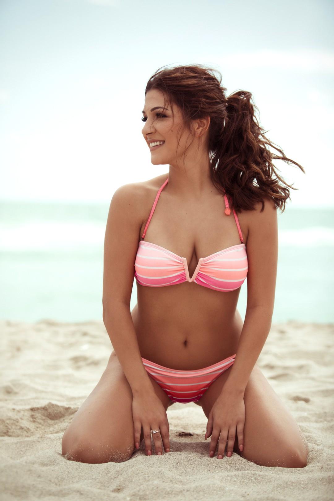Der Bachelor 2017: Alle Kandidatinnen im Bikini - Bild 14 von 23