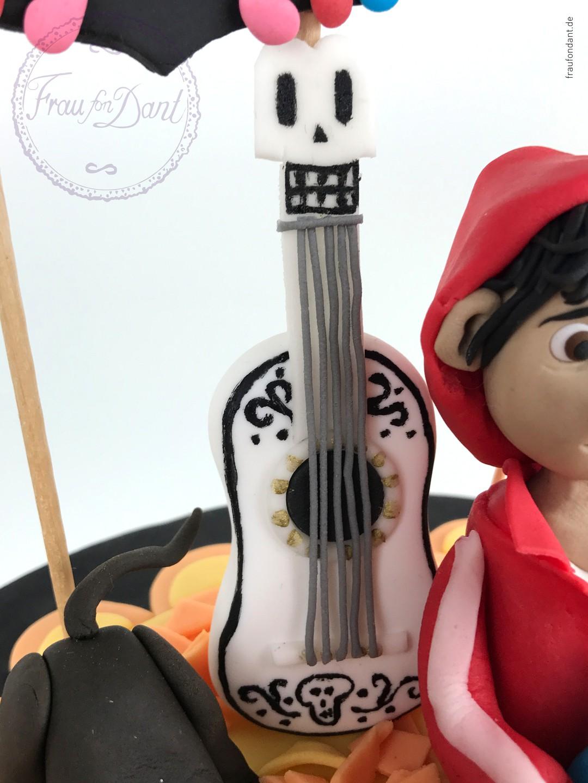 Coco: Anleitung für die Torte zum Film - DIY - Bild 7 von 21
