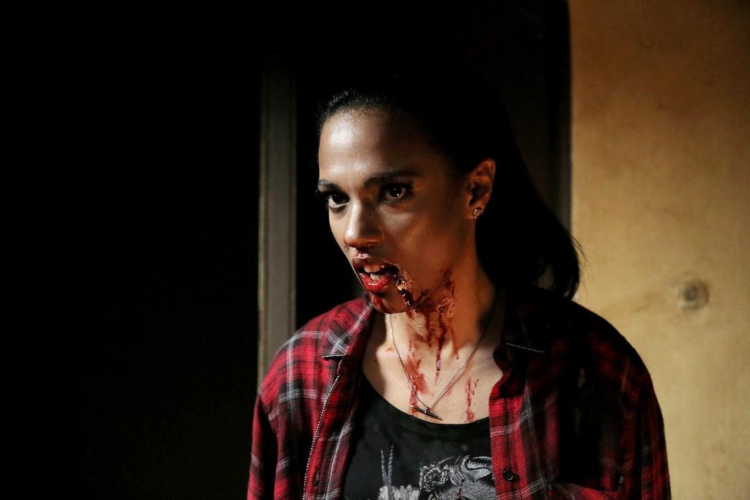 Eat Locals: Trailer zur Vampir-Horror-Komödie - Bild 1 von 8