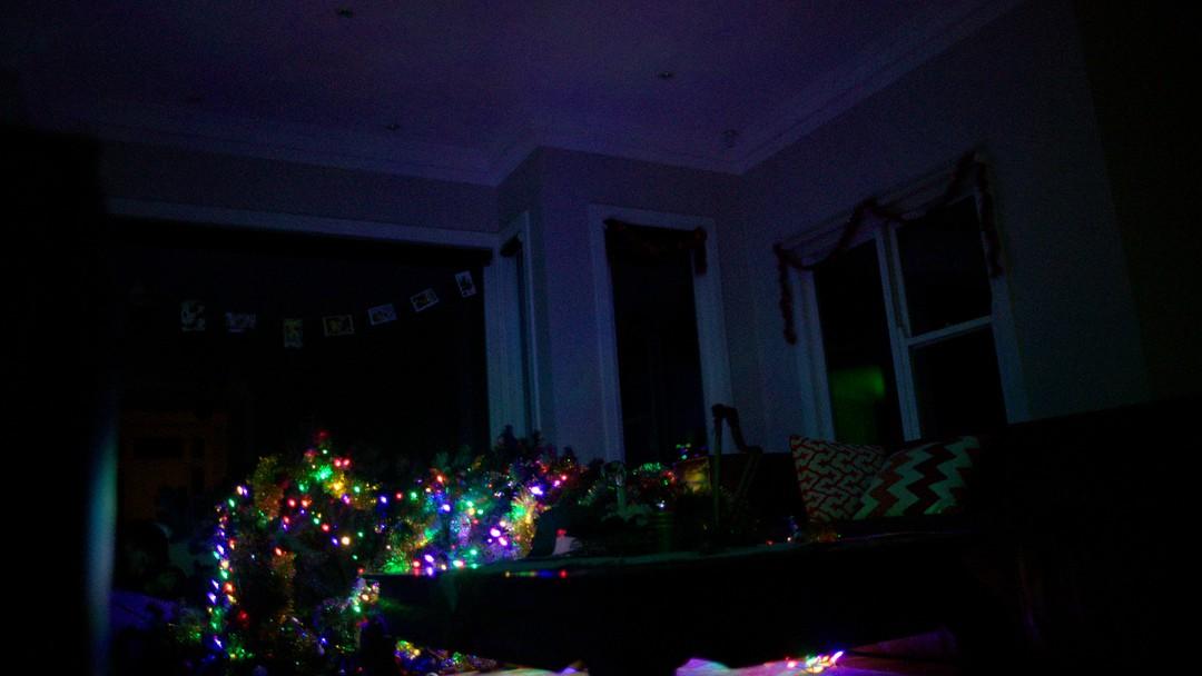 bild zu red christmas blutige weihnachten red christmas. Black Bedroom Furniture Sets. Home Design Ideas