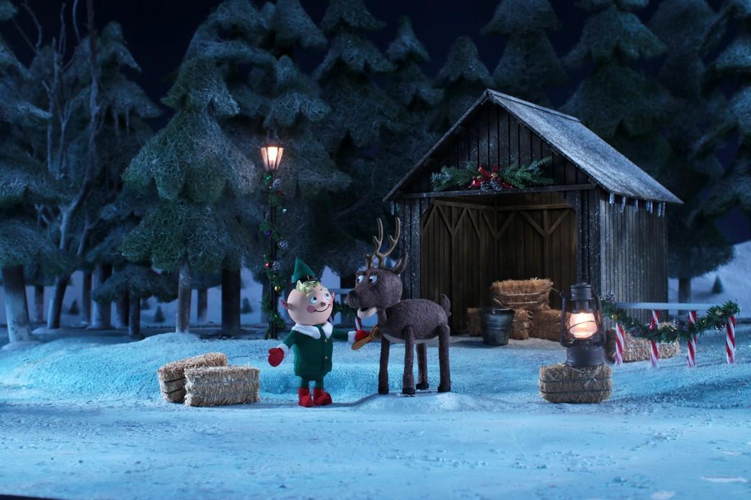 predator weihnachts kurzfilm trailer trailerseite film tv. Black Bedroom Furniture Sets. Home Design Ideas
