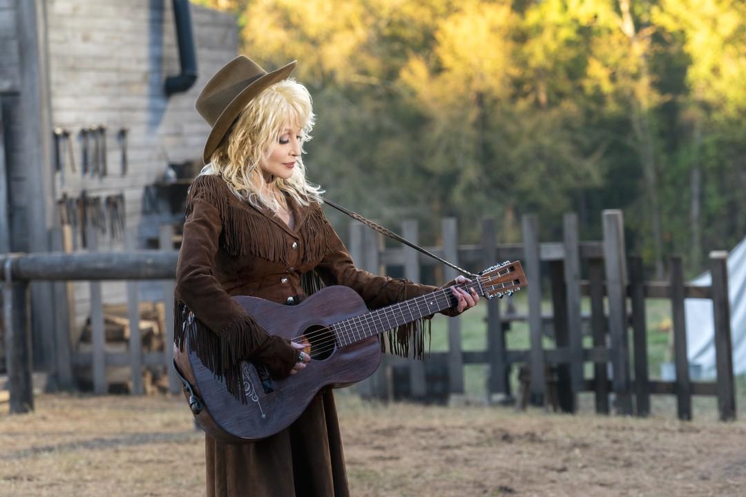 Dolly Partons Herzensgeschichten Trailer - Bild 1 von 5