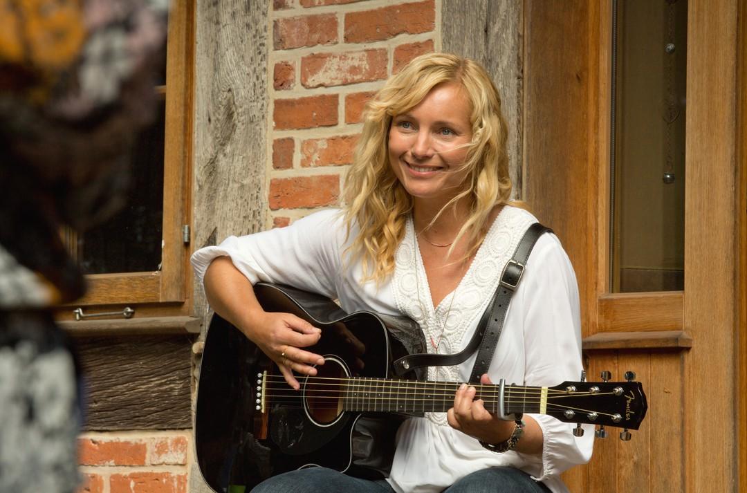 Ein Wochenende im August: TV-Liebesgeschichte mit Nadja Uhl - Bild 1 von 7