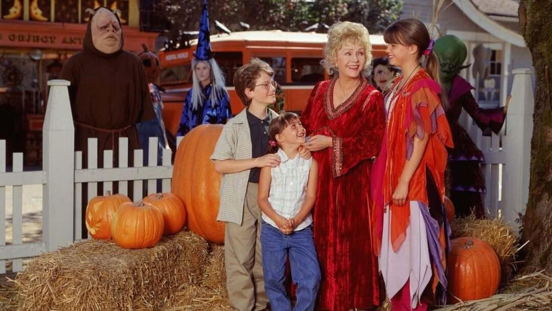 Halloweentown - Meine Oma Ist ne Hexe Trailer - Bild 1 von 4