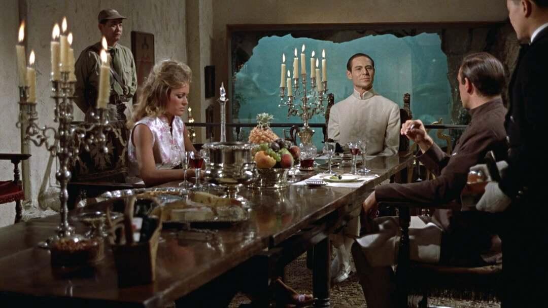 James Bond 007 Jagt Dr. No Trailer - Bild 1 von 25