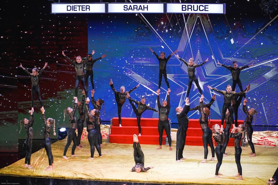 Acrobatic Masters