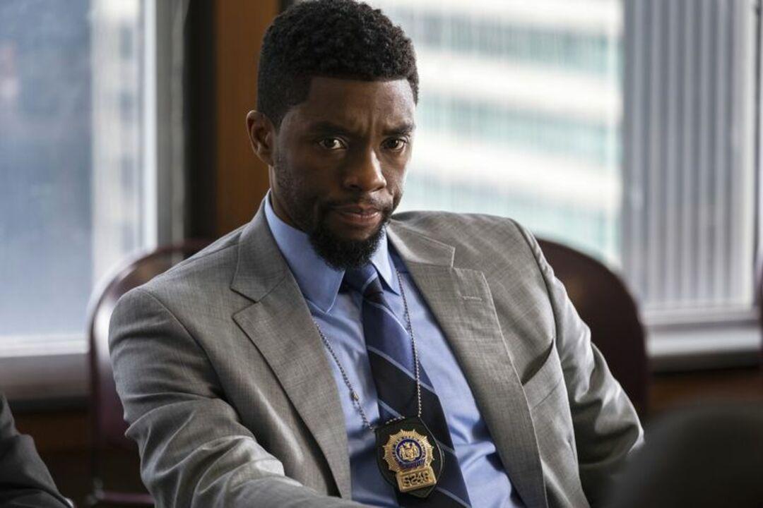 Chadwick Boseman: Erst Black Panther jetzt 21 Bridges - Bild 1 von 5
